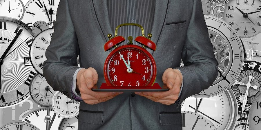サラリーマンが副業などの時間を確保するルーティン構築法